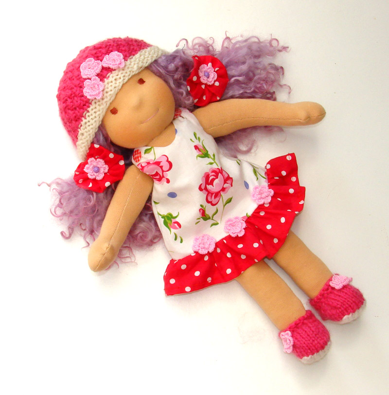 romantic waldorf doll Elisabetta stylable teeswater hair